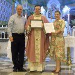 Vick Francisco concede Moção de Congratulação ao padre Luís Fabiano Canatta